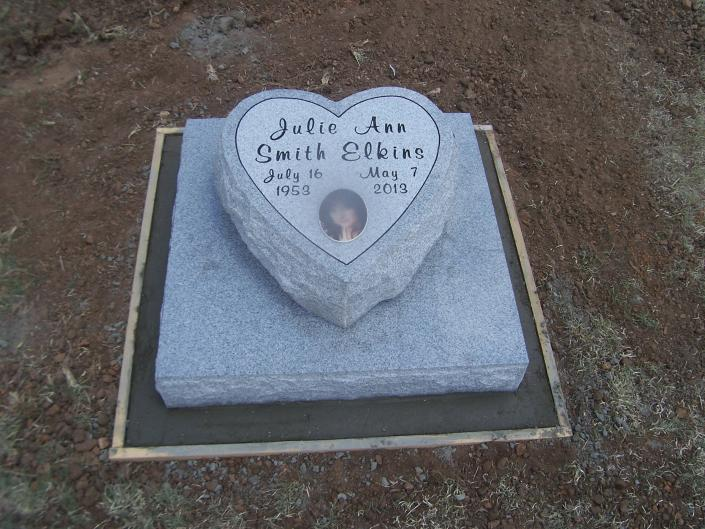 Choose from many types and colors of flat markers, from the simple, to something like this heart shaped marker mounted on a flat base.